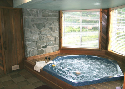 hottub_with_sauna